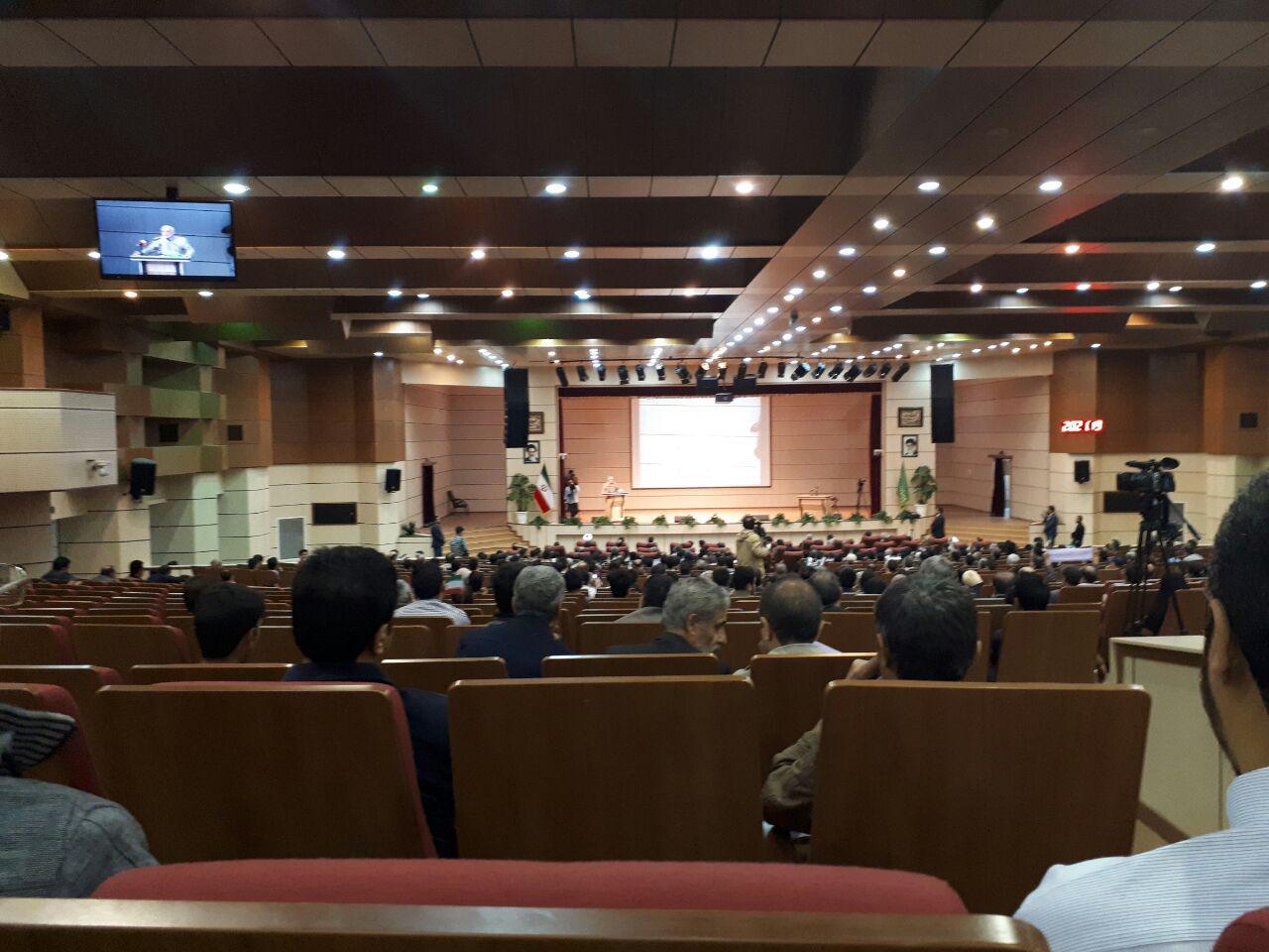 میرسلیم در جمع مردم تبریز: ما فردی را نمیخواهیم که ایران را به سلاخخانه آمریکا بكشاند